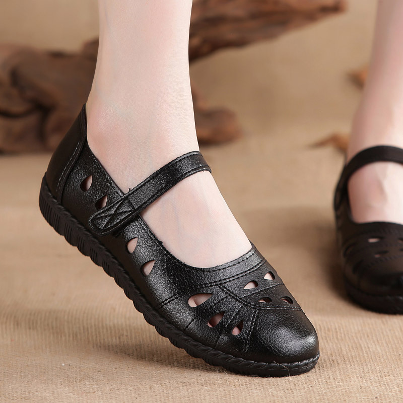 Summer air-permeable hollow women's shoes, leisure shoes, soft soles, middle-aged and old mothers'shoes, single shoes, flat sole, flat heel and anti-skid sandals