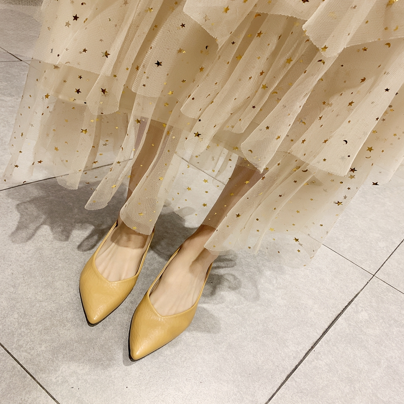 Single-shoe girl with skirt 2019 summer Pointed Toe mid-heeled bean shoes summer bean shoes fairy shoes gentle small Pump