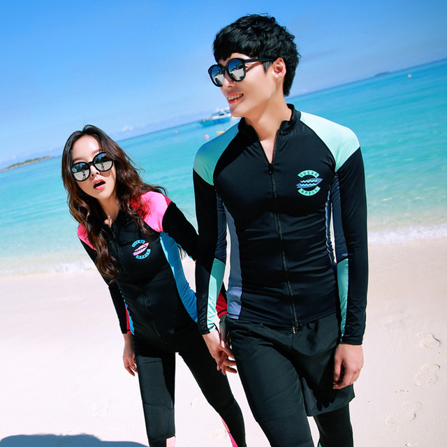 2562 new long-sleeved swimsuit women's fashion conservative sunscreen couple size breast gathered beach swimsuit